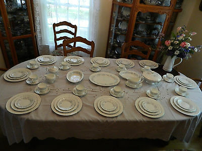 "Wedgewood Bone China ""Belle Fleur"" Set for 12 w/8 Serving Pieces 8-1"