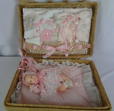 Vintage Effanbee Baby Lisa by Astri 1980 Baby Doll Original Basket Complete Set