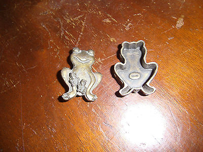Vintage Torino Pewter? Frog Trinket Box with pin and Earrings, Neat set Estate