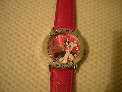 Vintage Genuine Looney Tunes Sylvester watch with Looney Tunes watchband