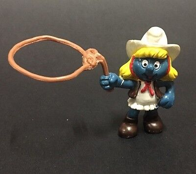 Vintage Rare Cowgirl Smurfette Smurf with Rope Lasoo