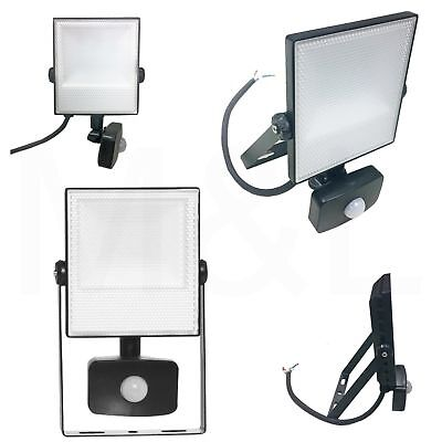 Energizer 10w=100w LED Outdoor Security Floodlight Light with PIR Motion Sensor
