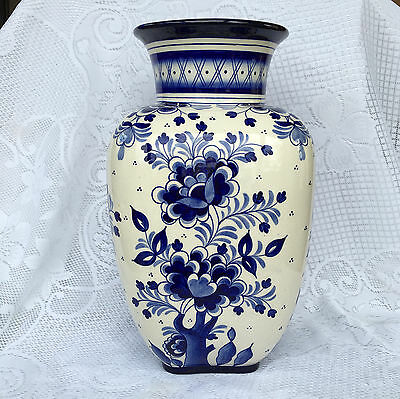 Dresden Steinguutfabrik Germany (1856-1945?) Large Blue/White Vase (332)