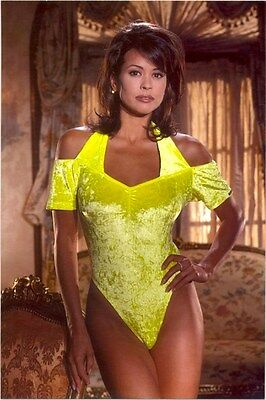 Brooke Burke - In A Yellow One-Piece !!!