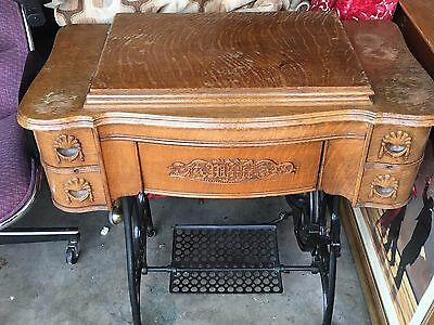 ANTIQUE 1920'S Treadle Sewing Machine Oak Cabinet BY White COMPANY WITH MACHINE