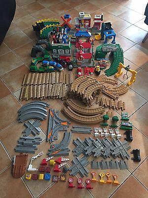 Fisher Price GeoTrax 168 Piece Collection with Storage Box