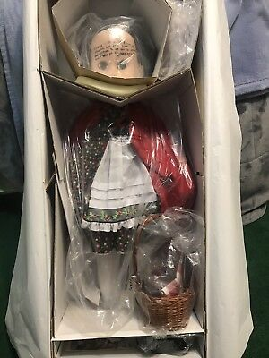 """Tonner Betsy McCall """"Going to Grandmas"""" 29"""" Doll Little Red Riding Hood"""
