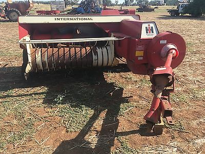 international 440  square  hay baler