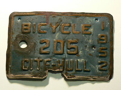 1952 Canada Hull Bicycle License Plate, 205 Cite-Hull, 145 x 95mm #G6327