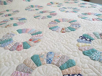 VINTAGE ANTIQUE QUILT Dresden Plate 1930'S  FEEDSACK PRINTS, 78 X 92, EXCELLENT