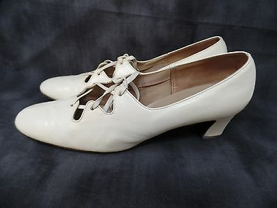 """Women's VINTAGE Off White Leather 2 1/4"""" High Heel Socialites Shoes Size 8.5?"""