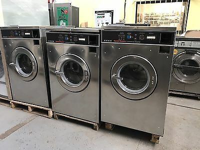 Speed Queen Washer 35LB 3PH 220v