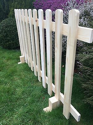 Freestanding picket fencing,2.6ft high buy as many as you like for £15 postage