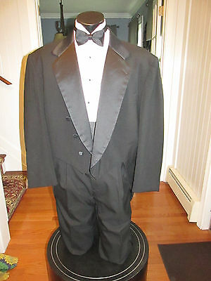 Mens Vintage Notch Lapel Black Tail Tuxedo Oscar De La Renta 50R 4 Pcs Nb19