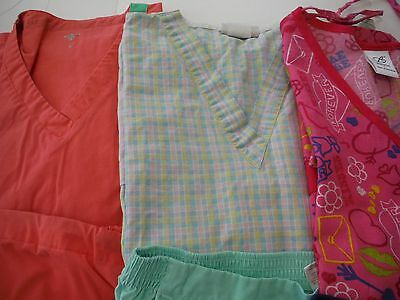 Womans Lot Of Scrub Sets 3 Tops And 3 Pants  Nice    Size Large (Box 379)