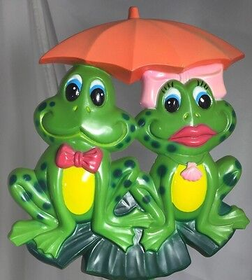 ARTLINE Yard Art Stake LILY PAD Vtg 1985 Mr. & Mr's FROG His Bow Tie Her Ribbon