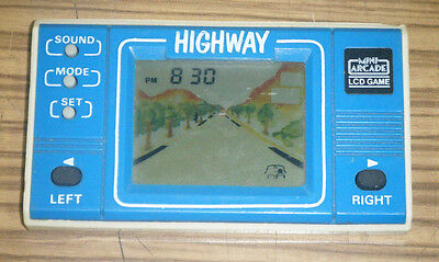 Vintage c1980's Mini Arcade Handheld Electronic Game - Highway