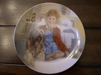 "Vintage 1st Issue ""Annie And Sandy"" Knowles 8.5"" Fine China Plate"