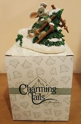 Retired Charming Tails - Who Put That Tree There 87/621