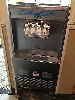 Taylor Commercial Ice Cream Soft Serve Machine Y339-27 339-27 3Phase