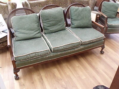 Stunning Art Deco Medallion Bergere Suite with Foot Stool