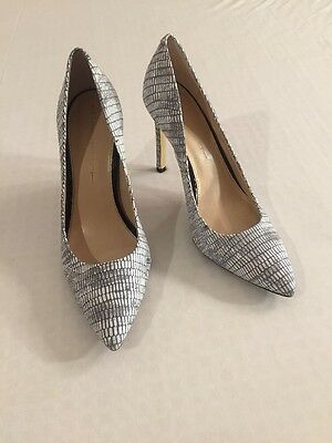 BANANA REPUBLIC Snake Print Gray White Leather Heels Pointed Toe Women Shoes 8.5
