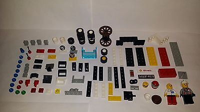 Mixed lot of LEGO Pieces