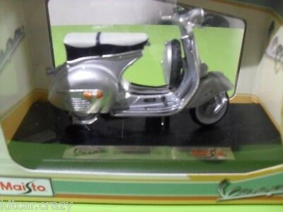 Maisto Vespa Messerschmitt 150 Gs 1961 1:18 Scale, Diecast Model Collectable