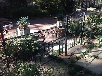 Vintage Restored Decorative Wrought Iron Garden Fence 44 ft w/8 Panels and Gate