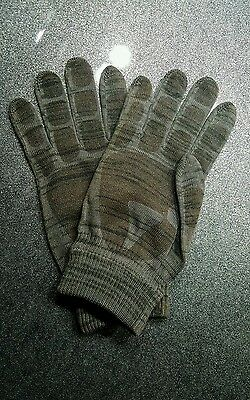 BCB International Camo Tactical Touch Screen Gripped Gloves, Size 8, Brand new..