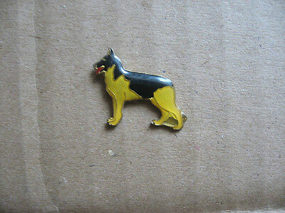 Pin's Chien Berger Allemand Nature Animal  Pins Pin Dog    R4