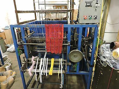 Crochet knitting machine