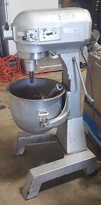 Hobart A-200F 20Qt Mixer Floor Model W/ Stainless Steel Bowl, Paddle & Whip
