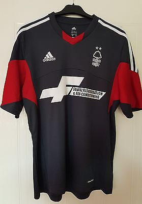 Nottingham Forest Large away shirt