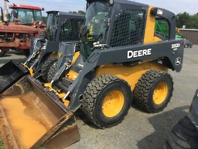 2011 John Deere 332D Skid Steer Loaders