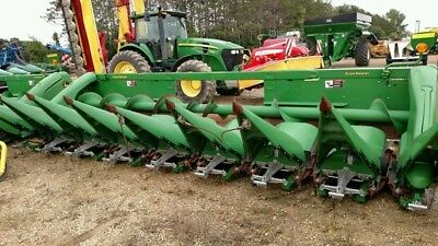 2012 John Deere 608C Headers