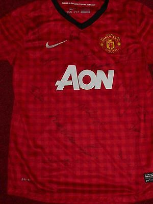 Man United team signed home shirt, with Fletcher, Valencia. & COA