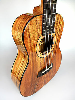 Kanile'a K3 Tenor Ukulele gloss finish, Premium Koa, high-end aus Hawaii
