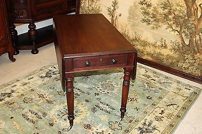Beautiful Federal Solid Mahogany Drop Leaf Side End Table on Casters, 19th c.