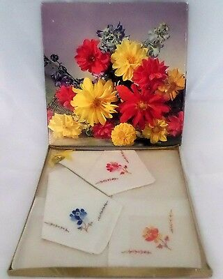 Vintage Boxed Set of 3 Ladies Fine Cotton Embroidered Hankies Made in N. Ireland