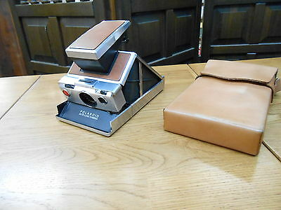 POLAROID SX-70 Land Camera with Leather Carrying Case
