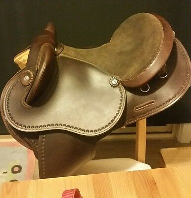 Syd Hill Halfbreed saddle