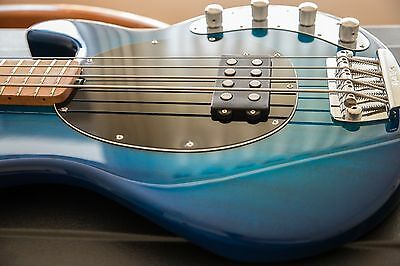 Music Man Stingray 4H Bass - Limited Edition - case plus lots of extras - MINT