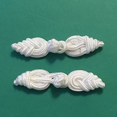 Pair Of Ivory Frog Fasteners 7.5cm #438