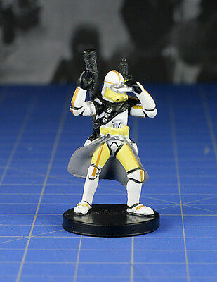 Star Wars miniatures Revenge of the Sith Clone Trooper Commander #10 & card