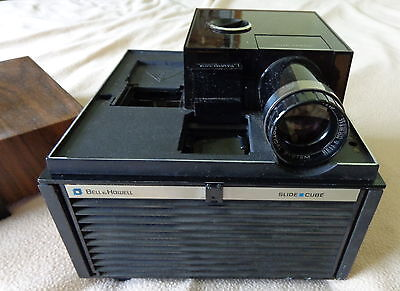 Bell & Howell Slide Cube System Slide Projector with remote, auto focus. Works!