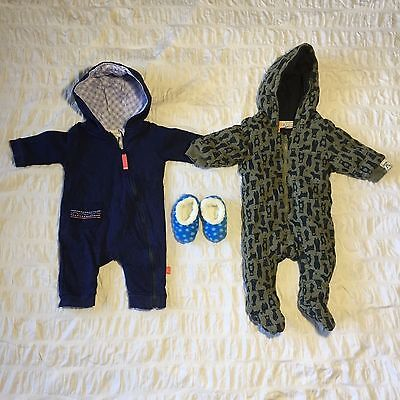 2 x Baby Boys 0-3months Size 000 Hooded Jumpsuits & Slumbies Slippers Never Worn