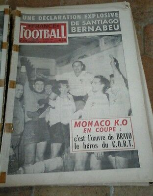 Lot 20 revues anciennes journaux anciens france football sport collection 1961.
