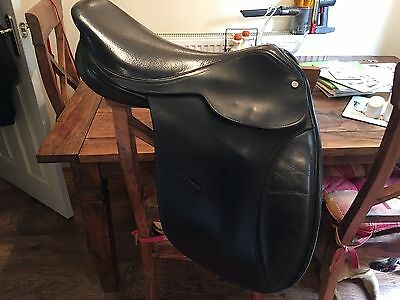 17 Inch Wide Saddle