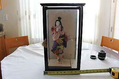 ANTIQUE LARGE ORIENTAL JAPANESE GEISHA DOLL with GLASS CASE